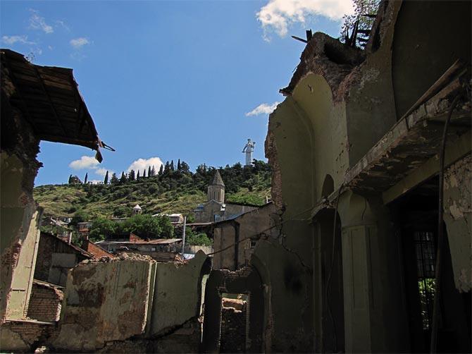Развалины в Тбилиси